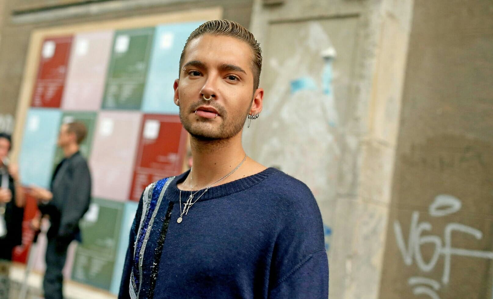 "Gala: Bill Kaulitz compartilha ""Vogel aus Gold"" com o mundo"